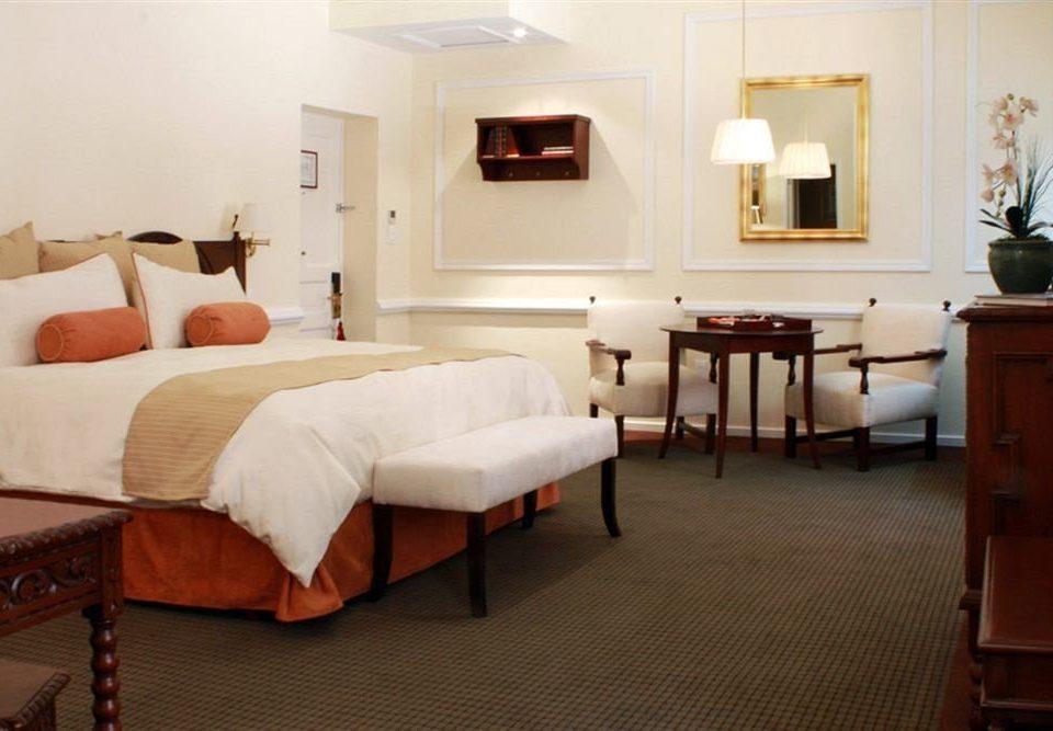 Bedroom City property Suite living room cottage Villa home