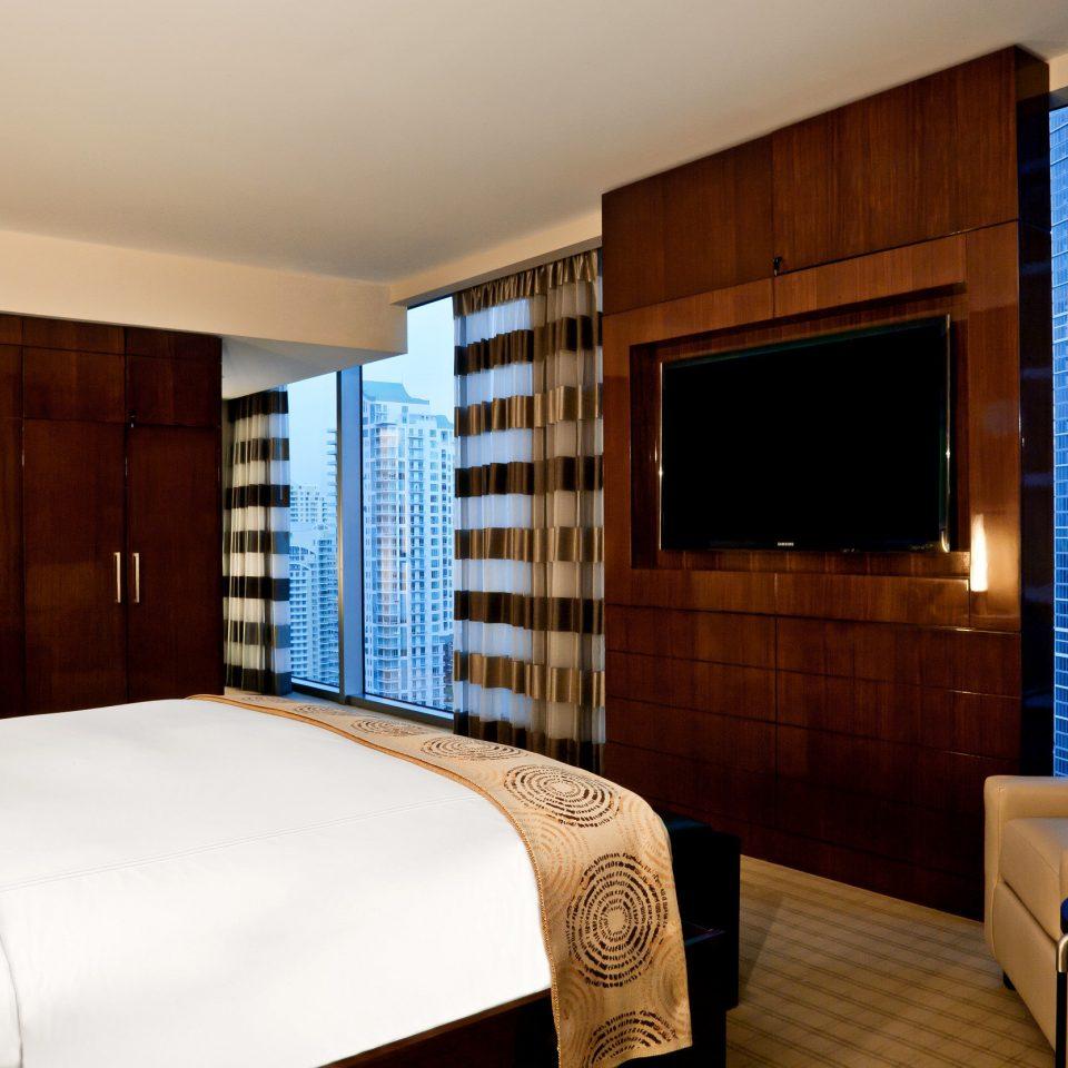 Bedroom City Waterfront property Suite condominium