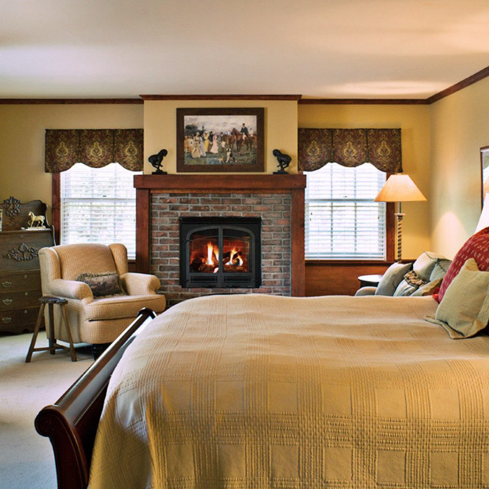 Bedroom Classic Country Elegant Fireplace Luxury Suite sofa property living room home hardwood cottage bed sheet