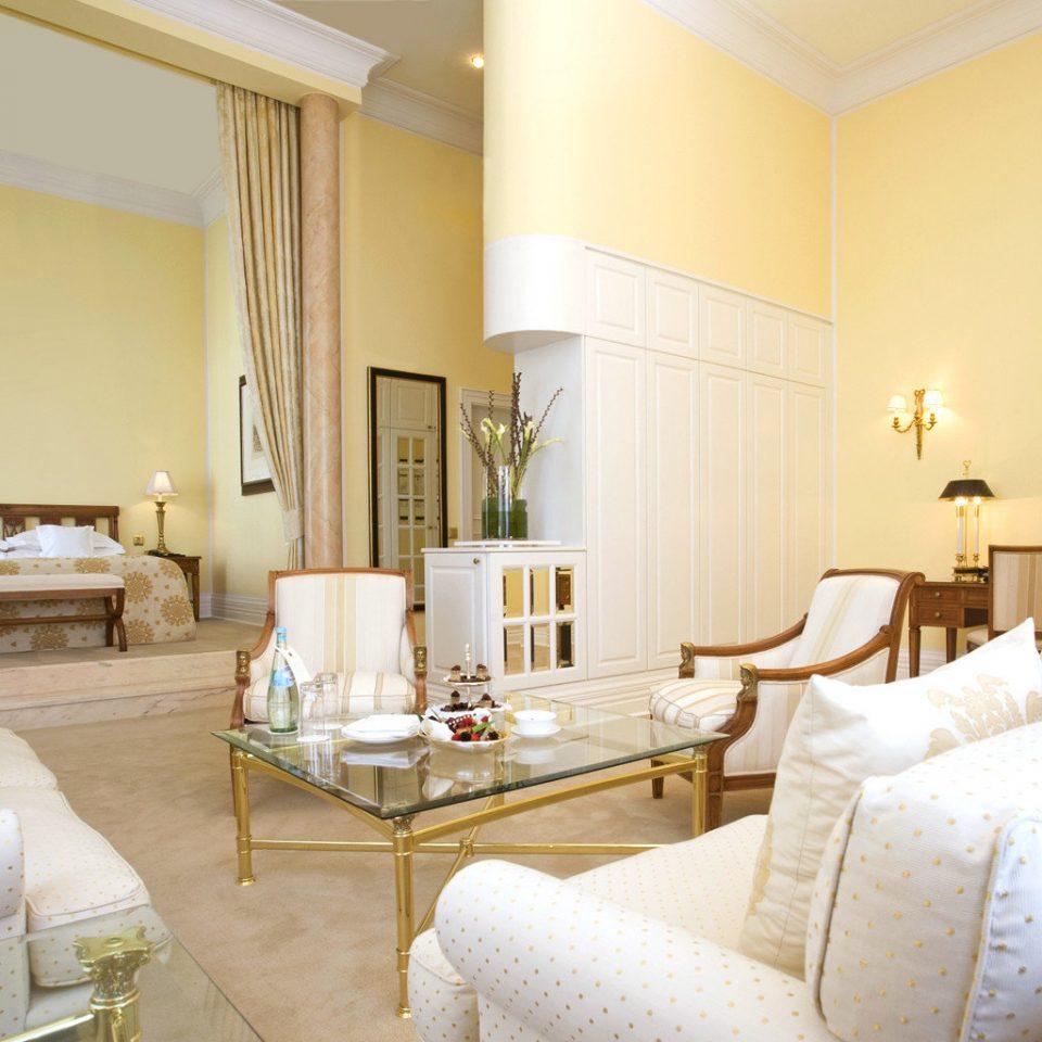Bedroom Classic Country Historic Luxury Suite sofa property living room cottage condominium Villa