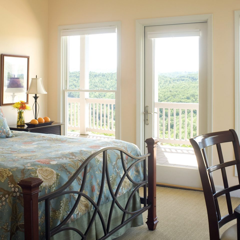 Bedroom Classic Country Inn Scenic views Suite property home cottage hardwood living room farmhouse