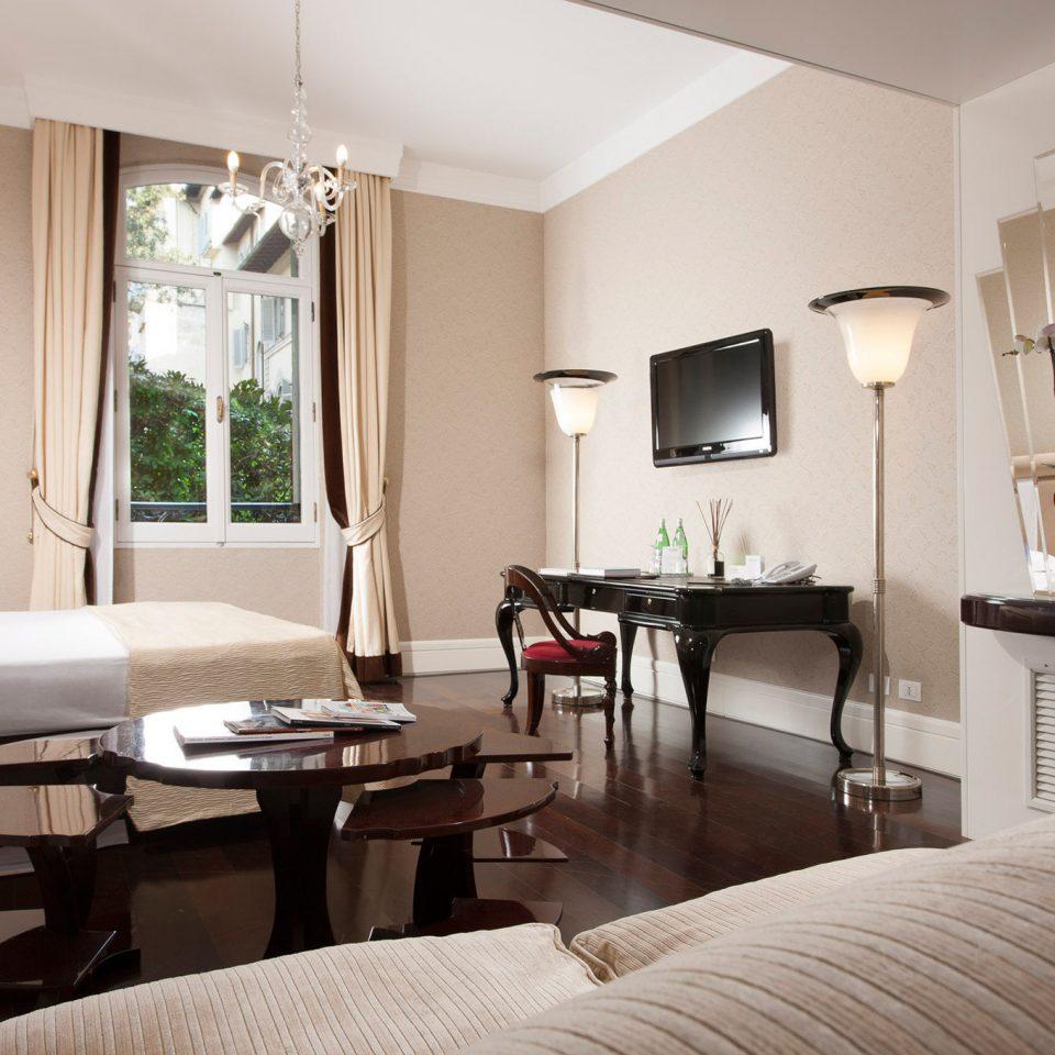 Bedroom Classic Cultural Historic Luxury Romantic sofa property condominium living room Suite home Villa nice cottage flat