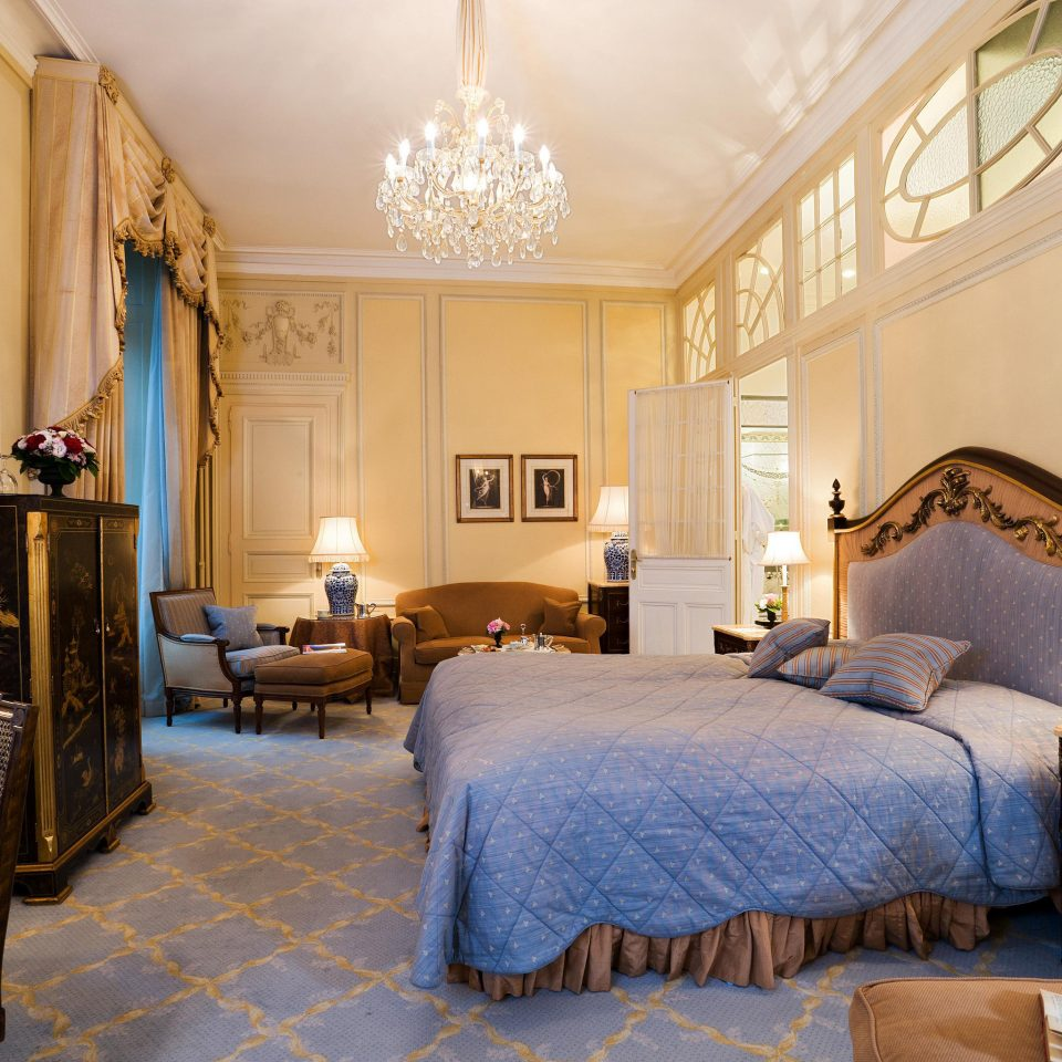 Bedroom Classic Elegant Historic Luxury Suite property home living room cottage farmhouse mansion Villa