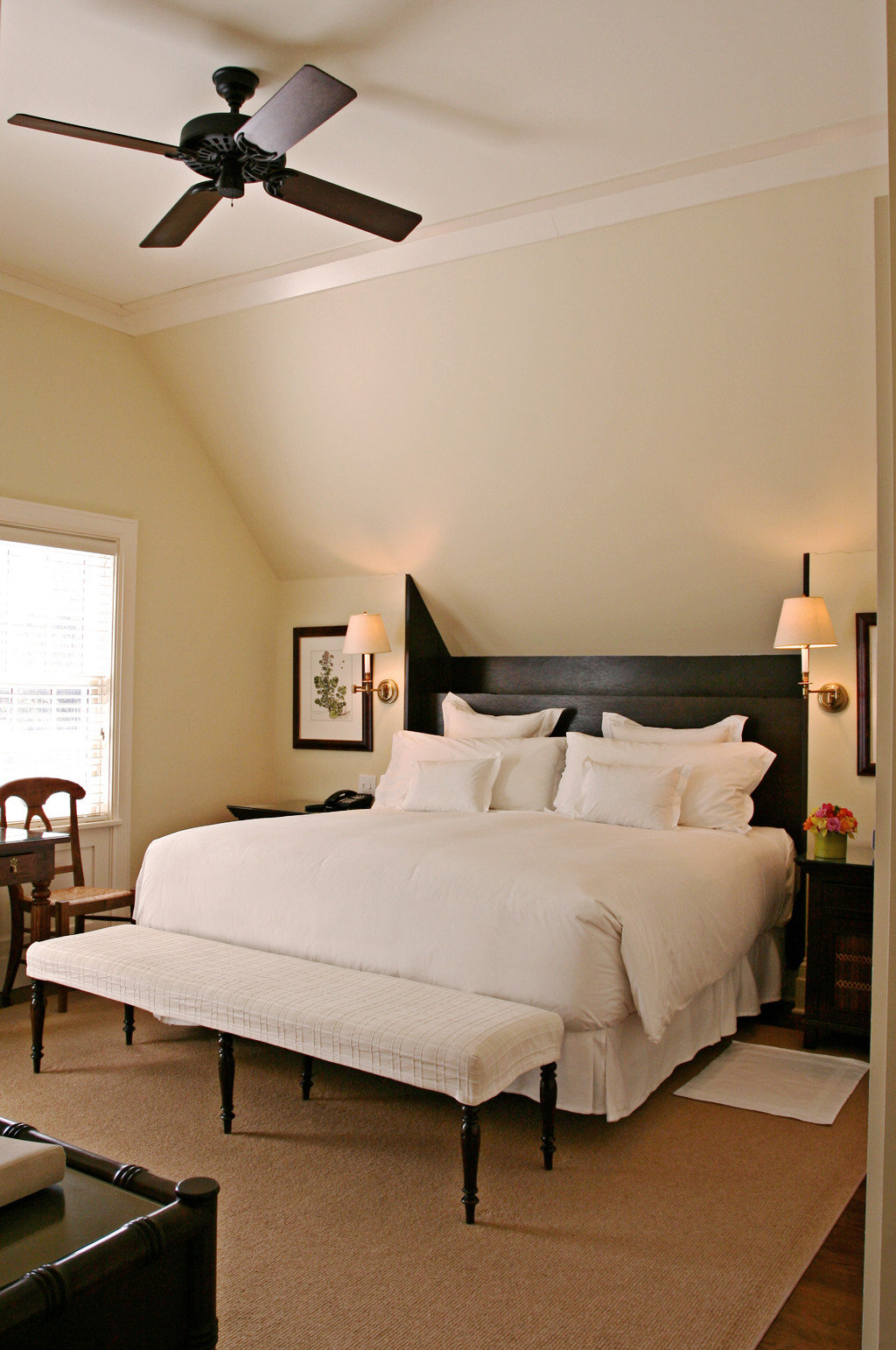 Bedroom Classic Elegant Luxury Waterfront property living room hardwood home bed frame Suite cottage