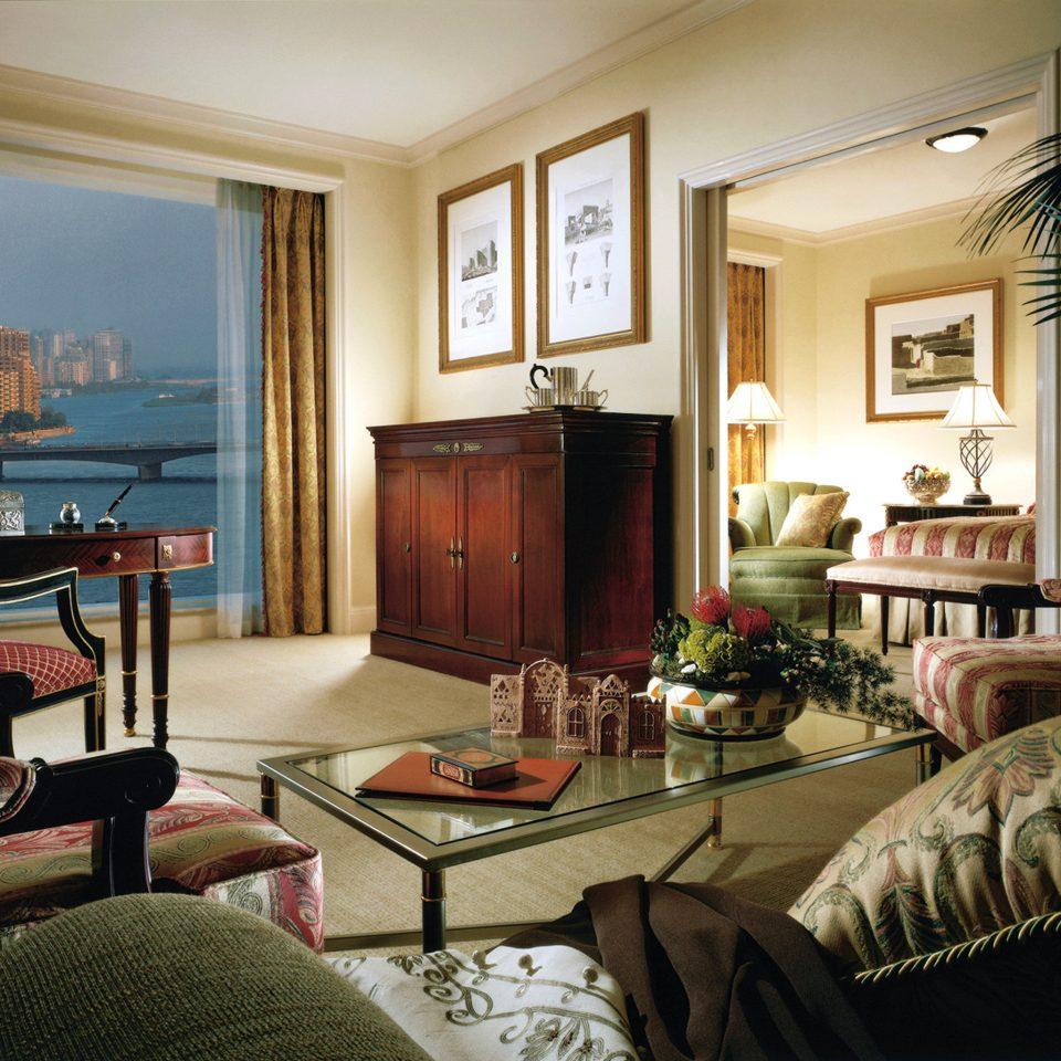 Bedroom Classic Elegant Luxury Scenic views Suite sofa living room property home condominium mansion cottage Villa lamp