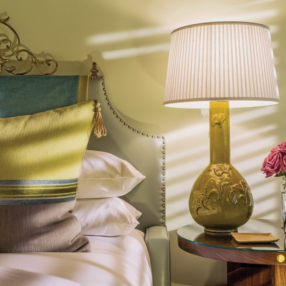 Bedroom Classic Elegant Luxury Suite yellow product lighting pattern textile living room