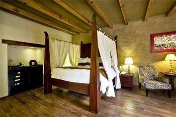 Bedroom Classic Elegant Luxury Rustic Suite property cottage Villa attic farmhouse