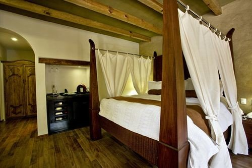 Bedroom Classic Elegant Luxury Rustic Suite property cottage hardwood home Villa farmhouse