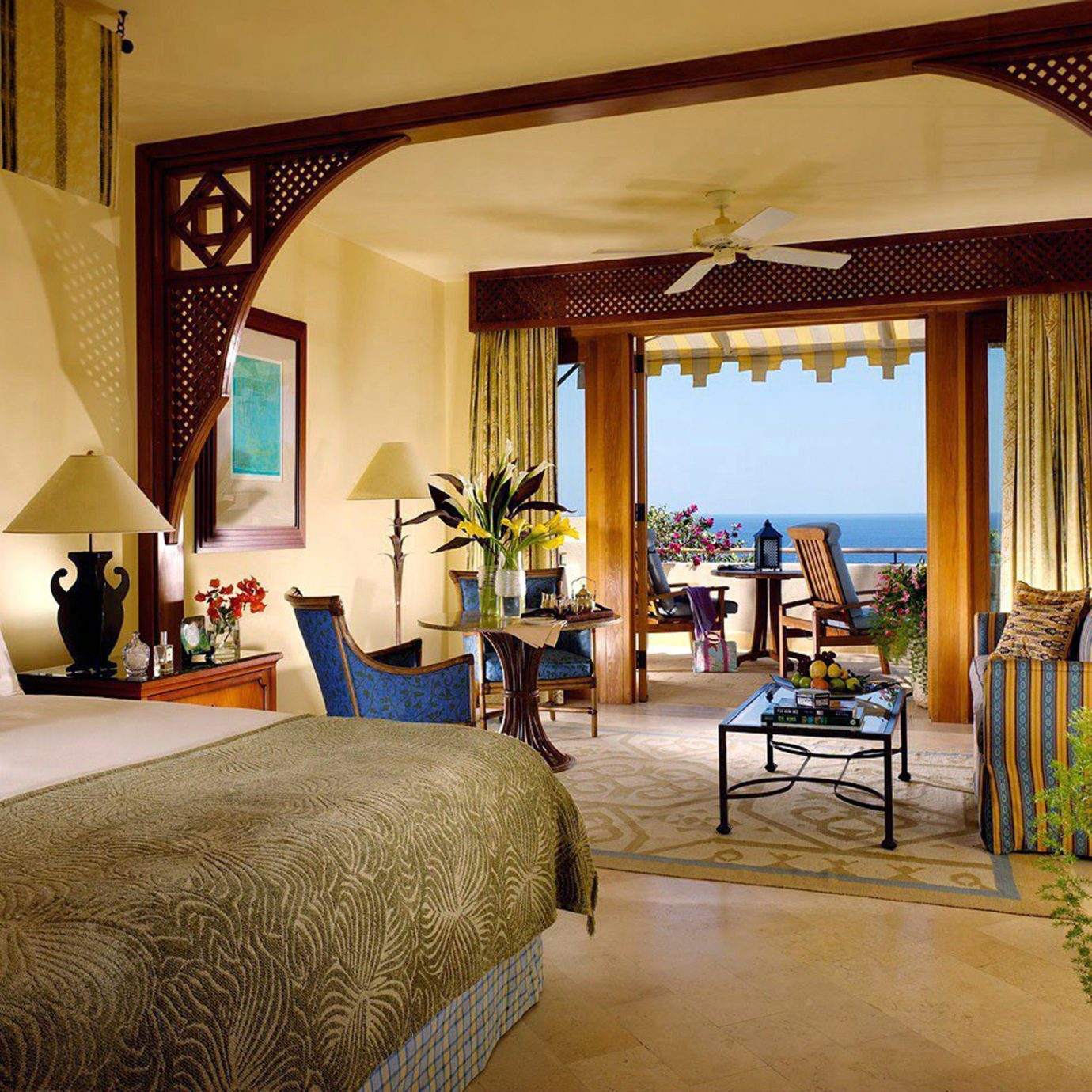 Bedroom Classic Elegant Scenic views Suite property house Villa home Resort living room mansion cottage farmhouse hacienda