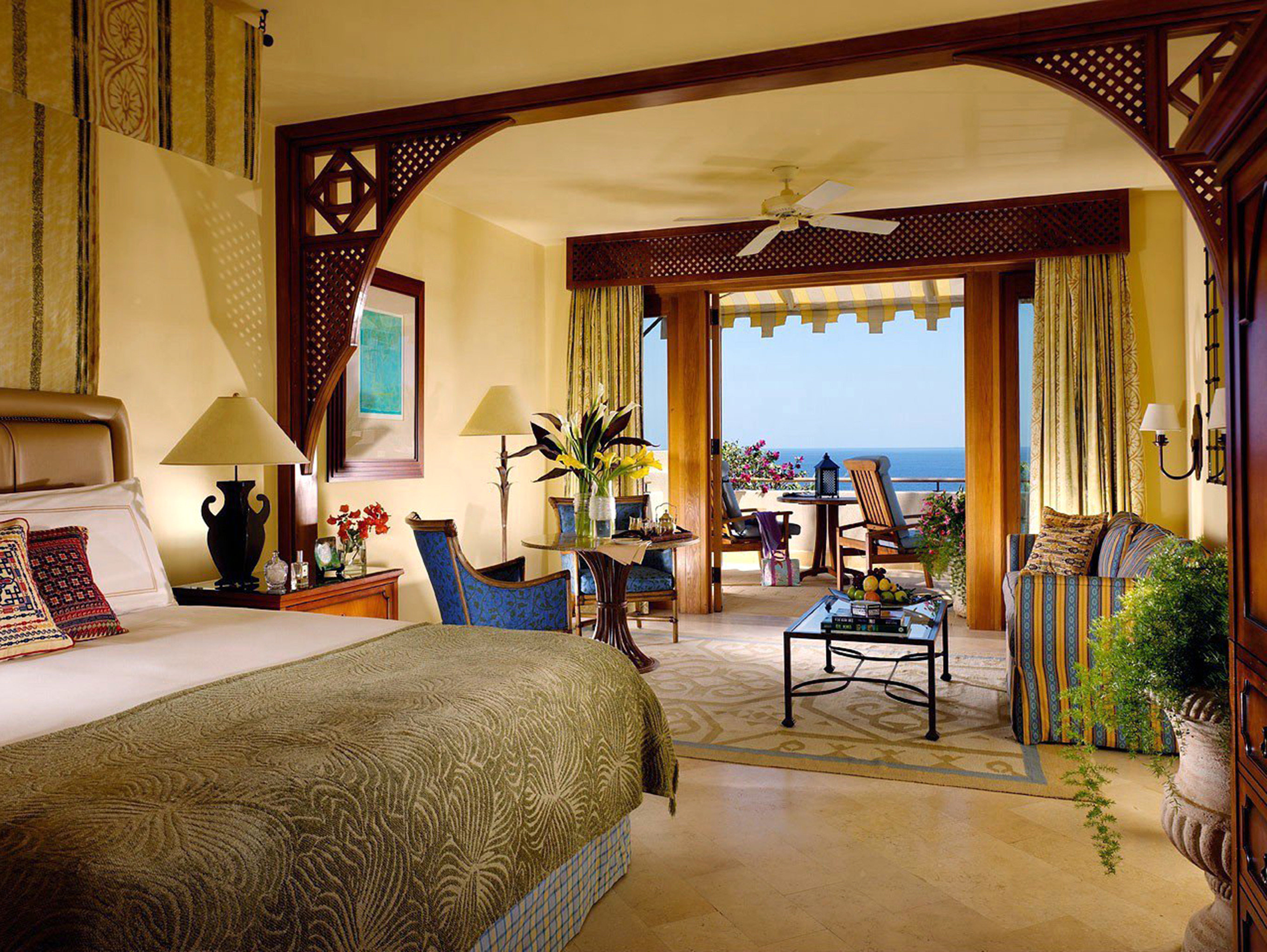 Bedroom Classic Elegant Scenic views Suite property house Villa home Resort living room mansion cottage farmhouse hacienda