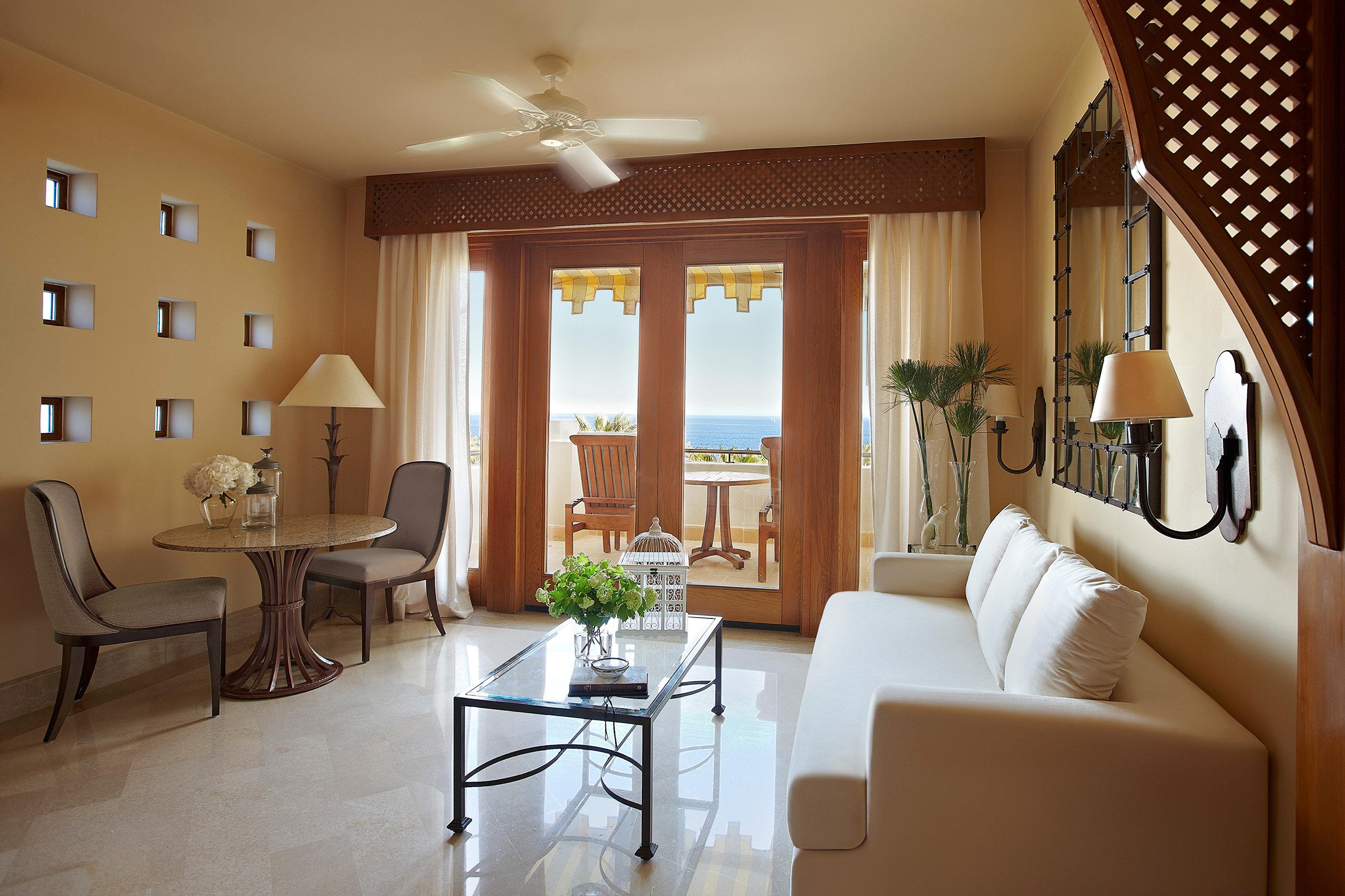Bedroom Classic Elegant Scenic views Suite property living room home condominium hardwood cottage Villa