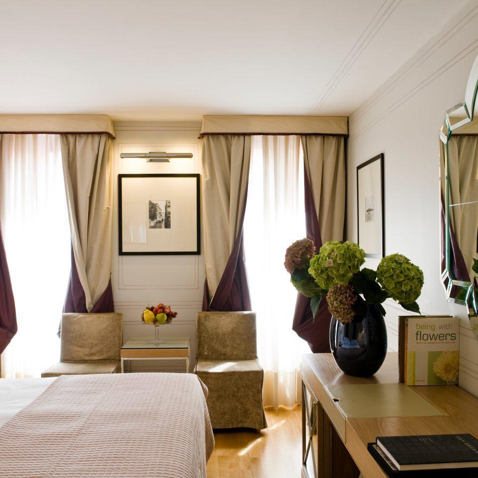 Bedroom Classic Elegant property home Suite living room cottage condominium