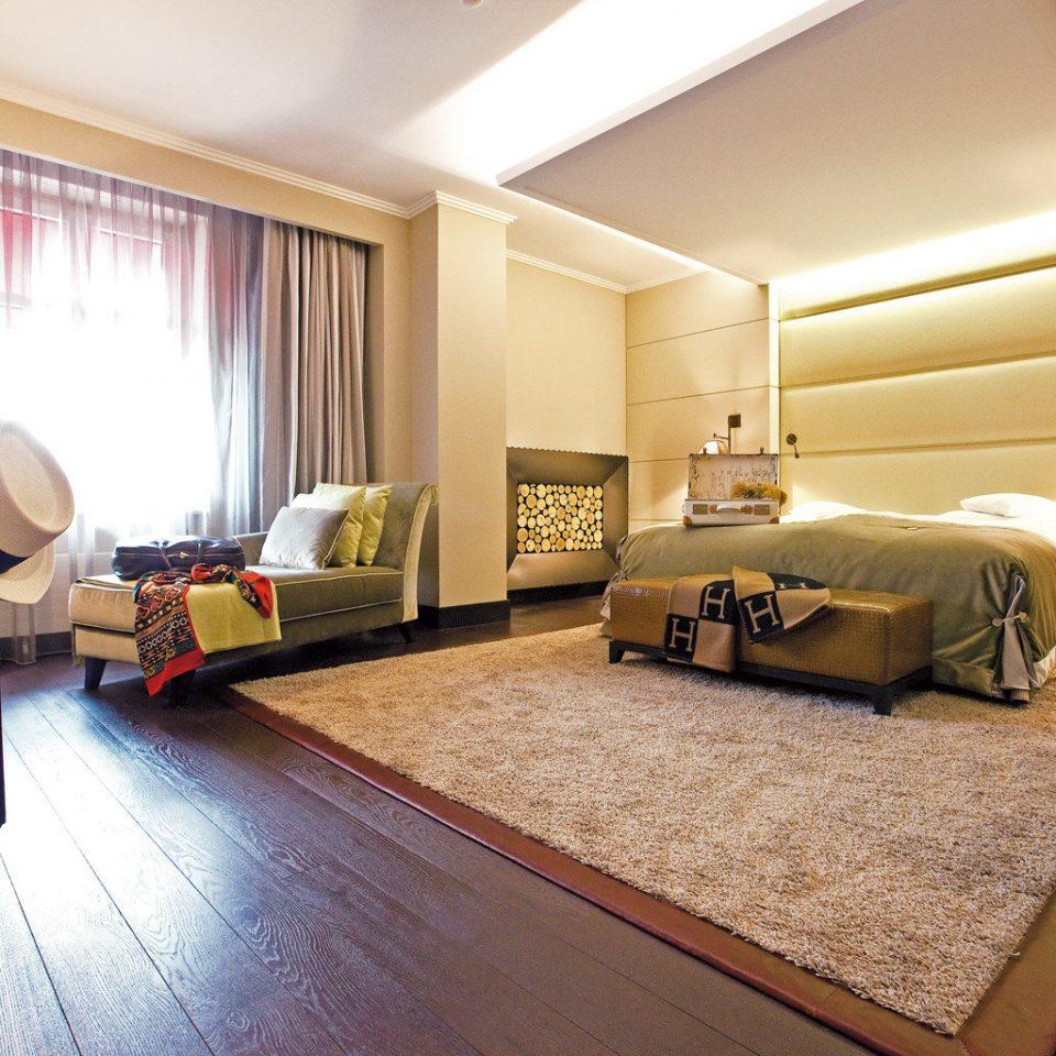 Bedroom Classic Elegant Suite property living room cottage