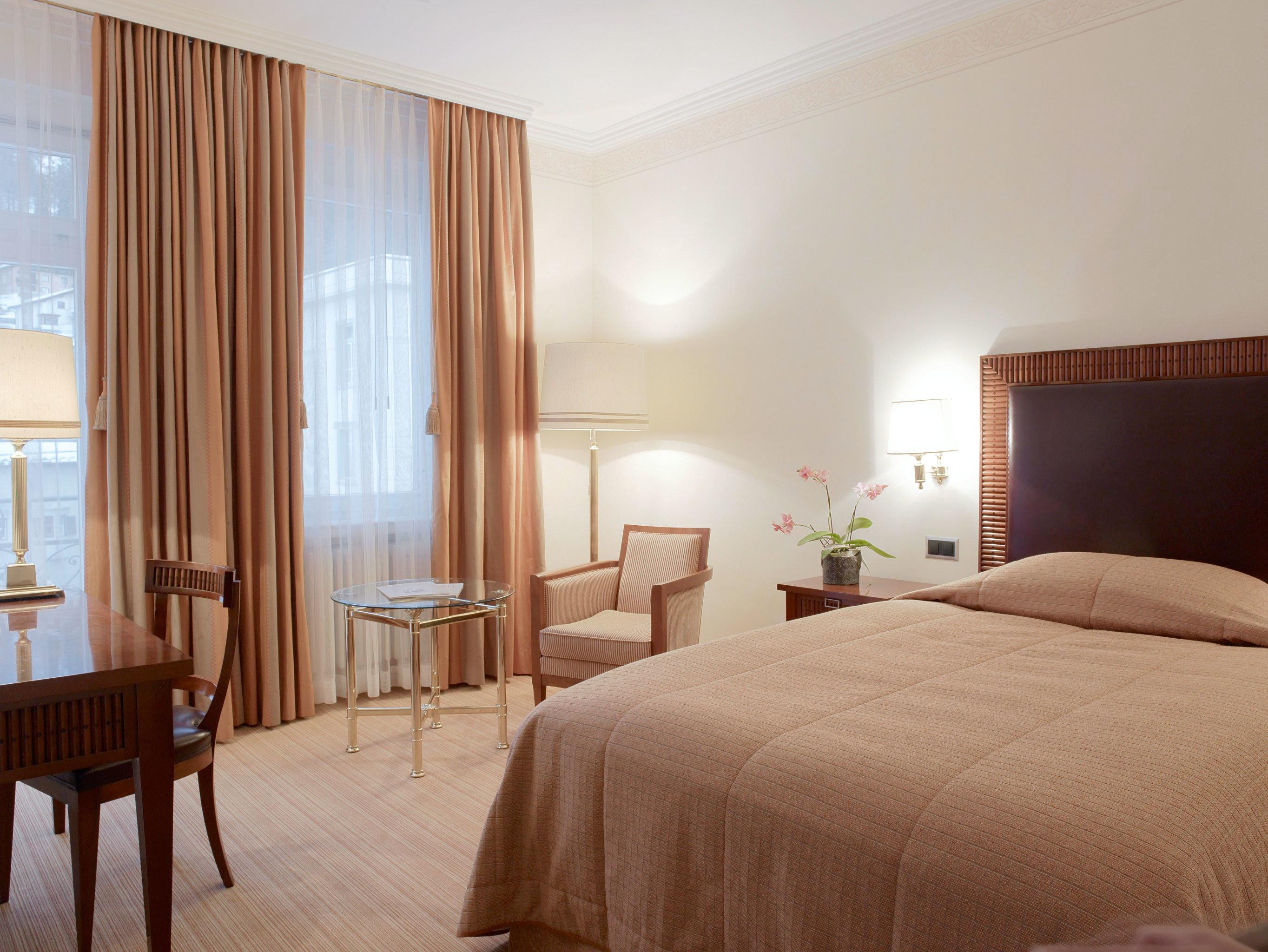Bedroom Classic Elegant property Suite hardwood cottage