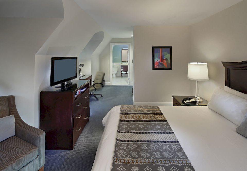 Bedroom Classic Elegant sofa property living room Suite cottage home Villa condominium