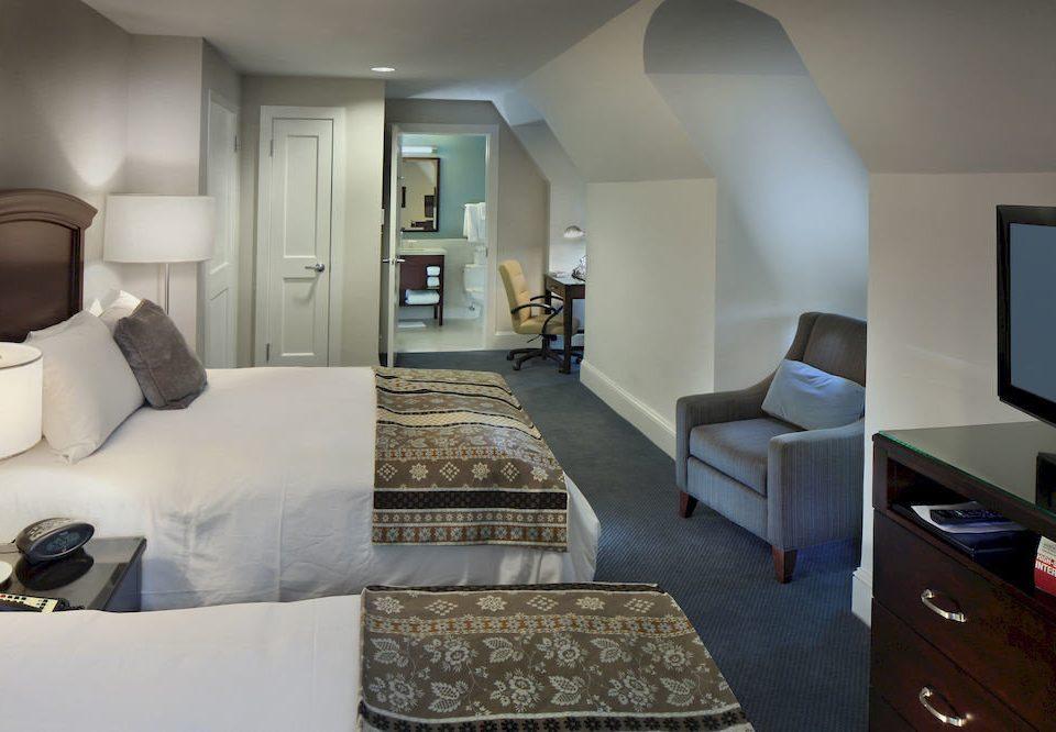 Bedroom Classic Elegant sofa property living room Suite home condominium cottage flat