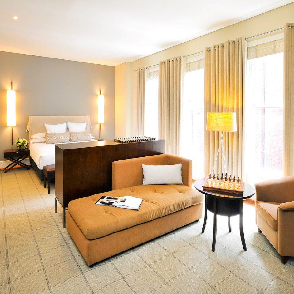 Bedroom Classic Entertainment Resort property Suite condominium living room