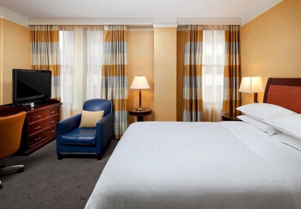 Bedroom Classic Family property Suite condominium
