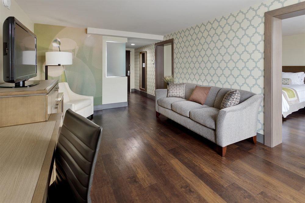 Bedroom Classic Family Suite sofa property hardwood home cottage living room flooring hard wood flooring laminate flooring flat