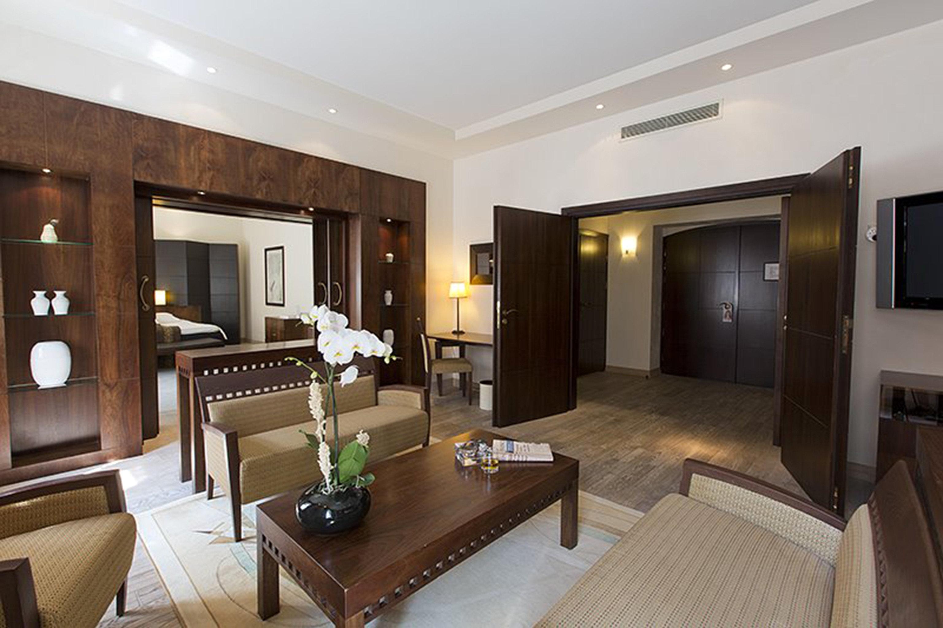 Bedroom Classic Historic property television Suite living room condominium home Villa mansion flat Modern