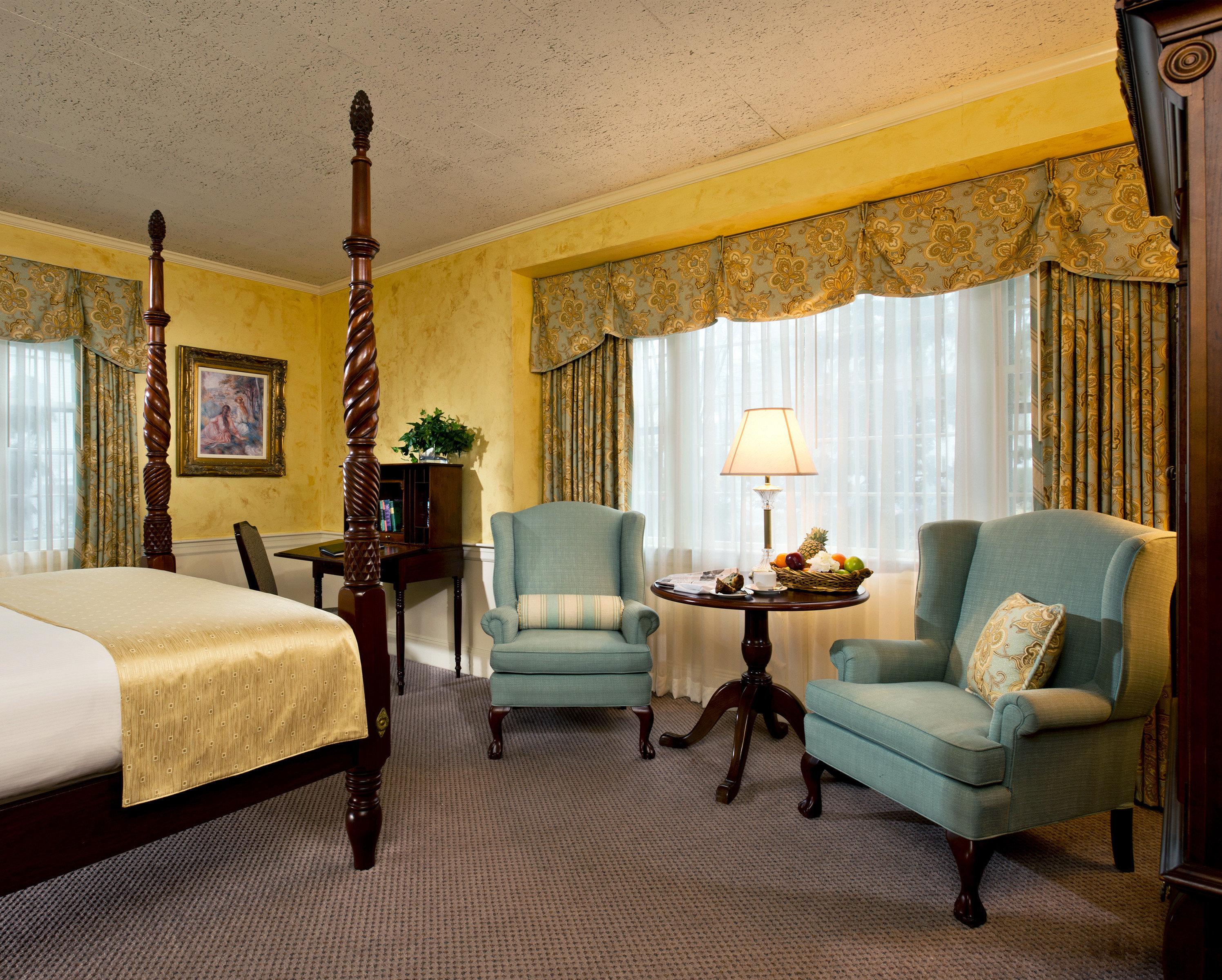 Bedroom Classic Inn Romantic Spa Waterfront property living room Suite home hardwood cottage Villa farmhouse