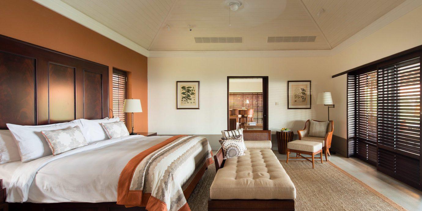 Bedroom Classic Island Luxury Resort Suite property hardwood living room home cottage