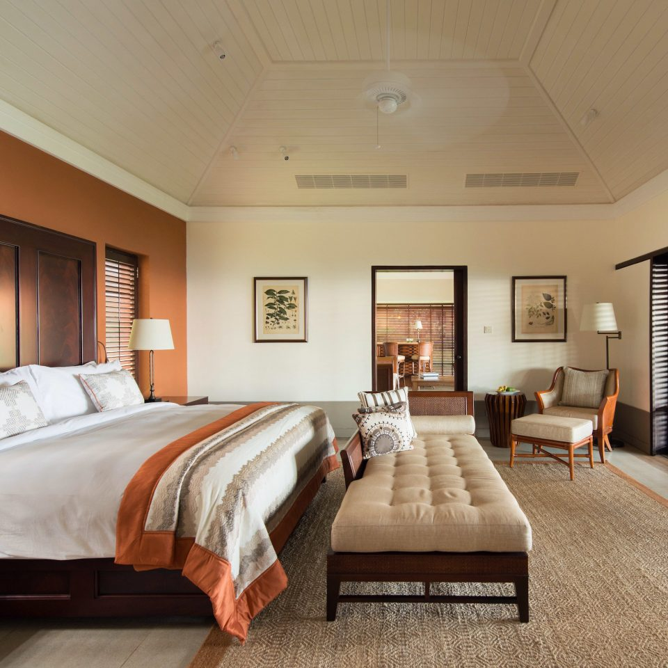 Bedroom Classic Island Luxury Resort Suite property hardwood living room home cottage