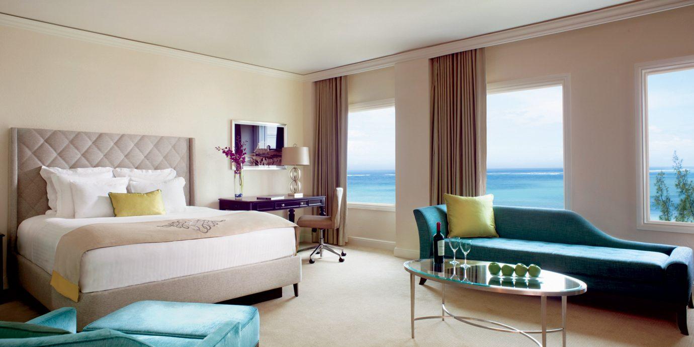 Classic Jetsetter Guides Luxury Resort Scenic views property Bedroom Suite living room condominium home Villa cottage flat
