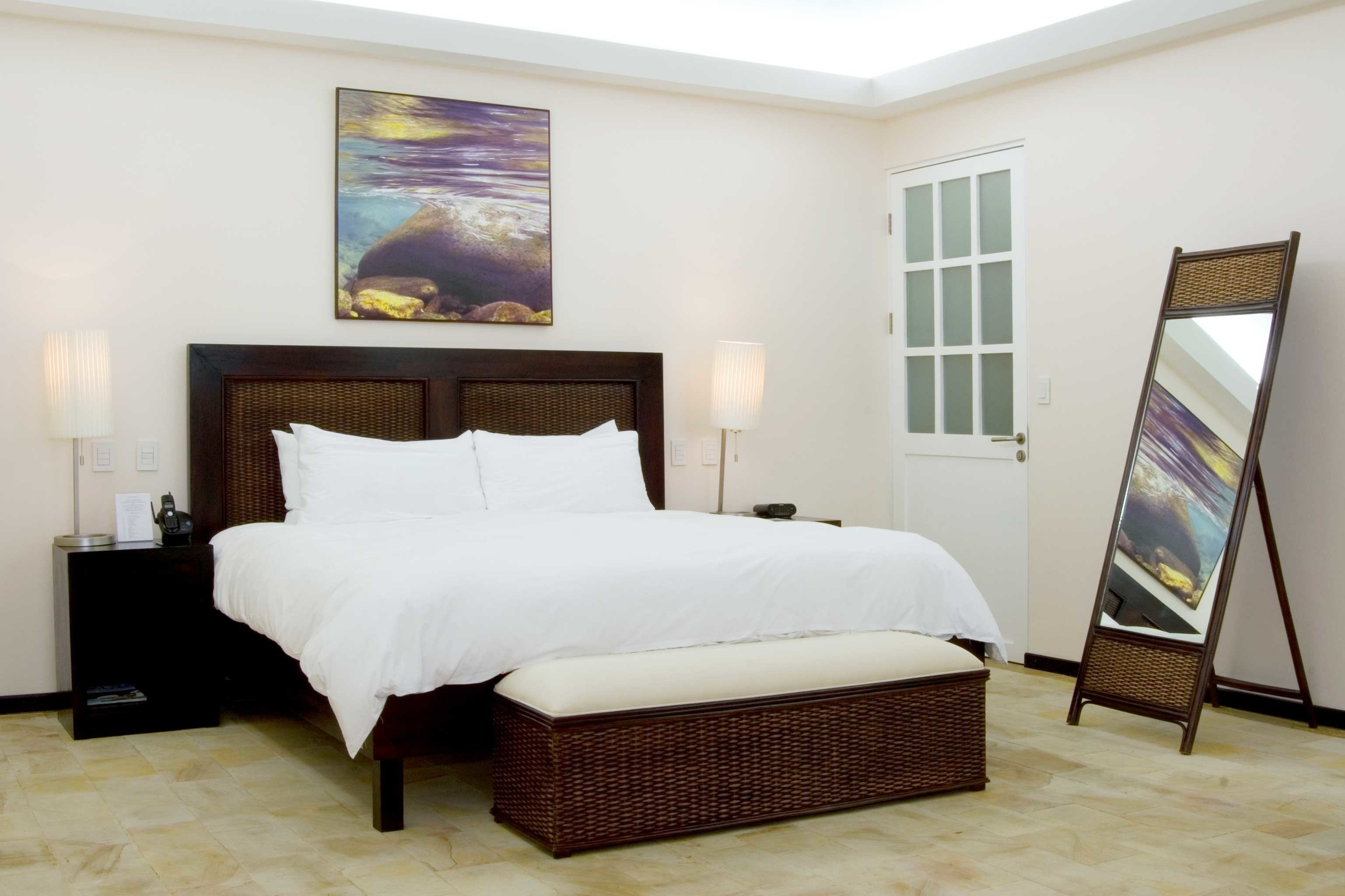 Bedroom Classic Jungle Tropical property Suite hardwood bed frame cottage living room bed sheet Villa