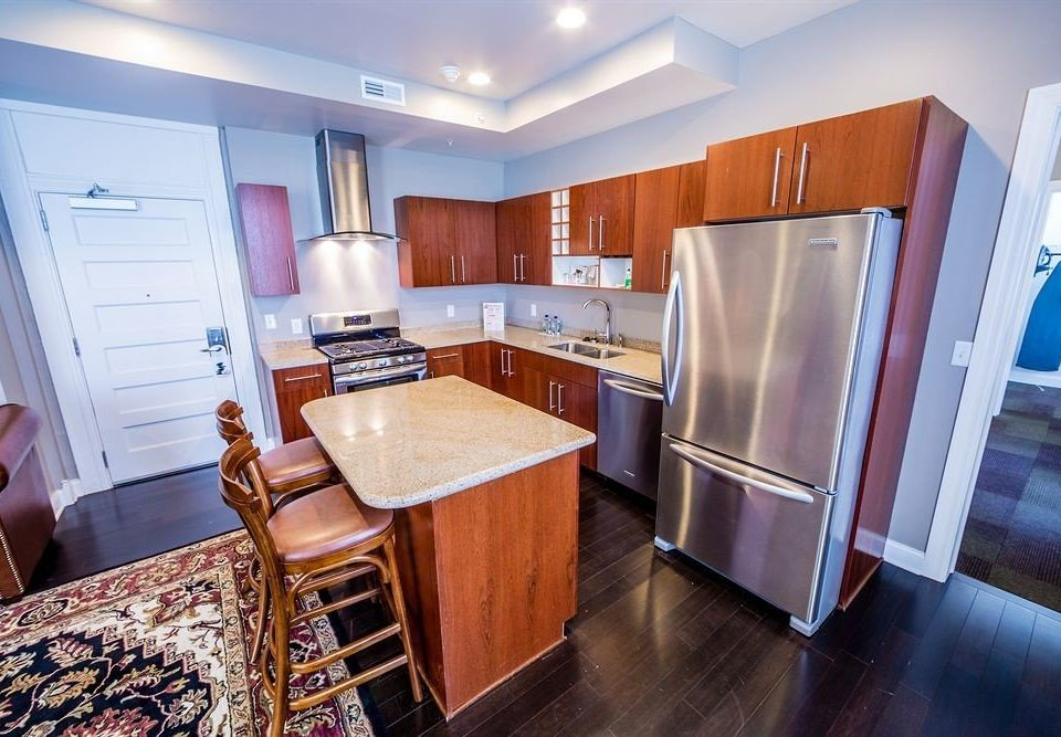 Classic Kitchen property home Suite cottage wooden appliance steel stainless Bedroom hard