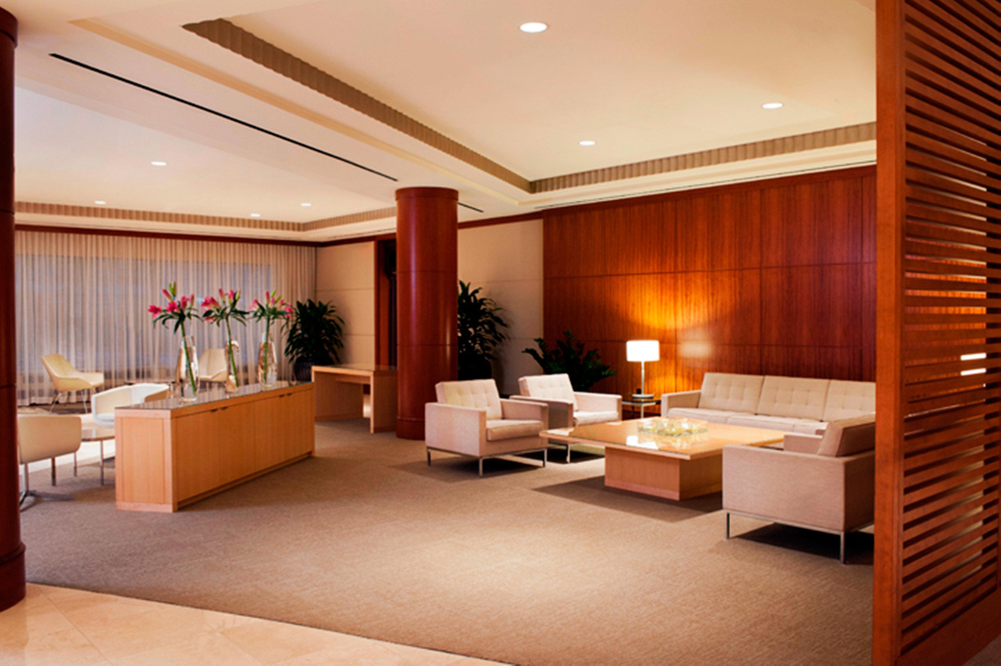 Classic Lounge Resort Lobby property Suite living room condominium Bedroom