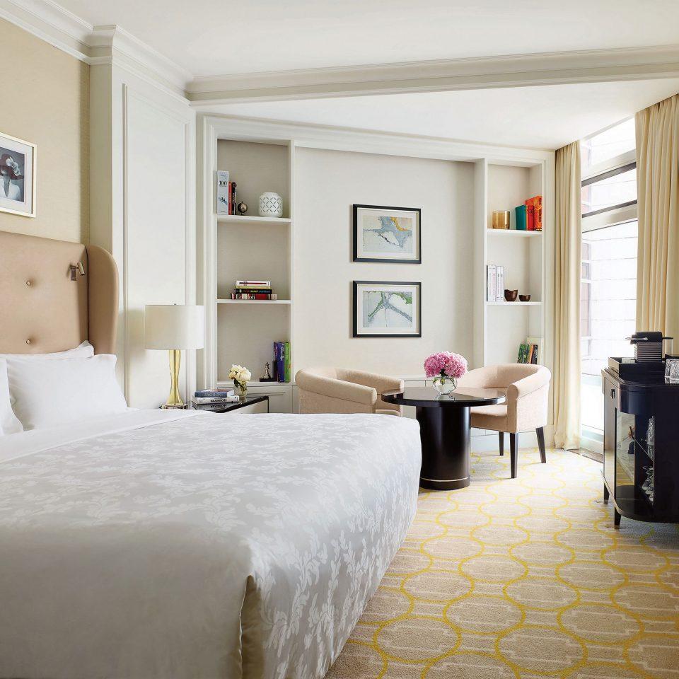 Bedroom Classic Luxury Resort property Suite home cottage living room Villa farmhouse