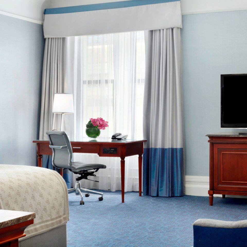 Bedroom Classic Luxury Resort property living room home Suite condominium cottage flat