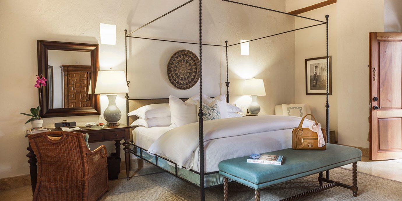 Bedroom Classic Luxury Resort property living room home Suite cottage
