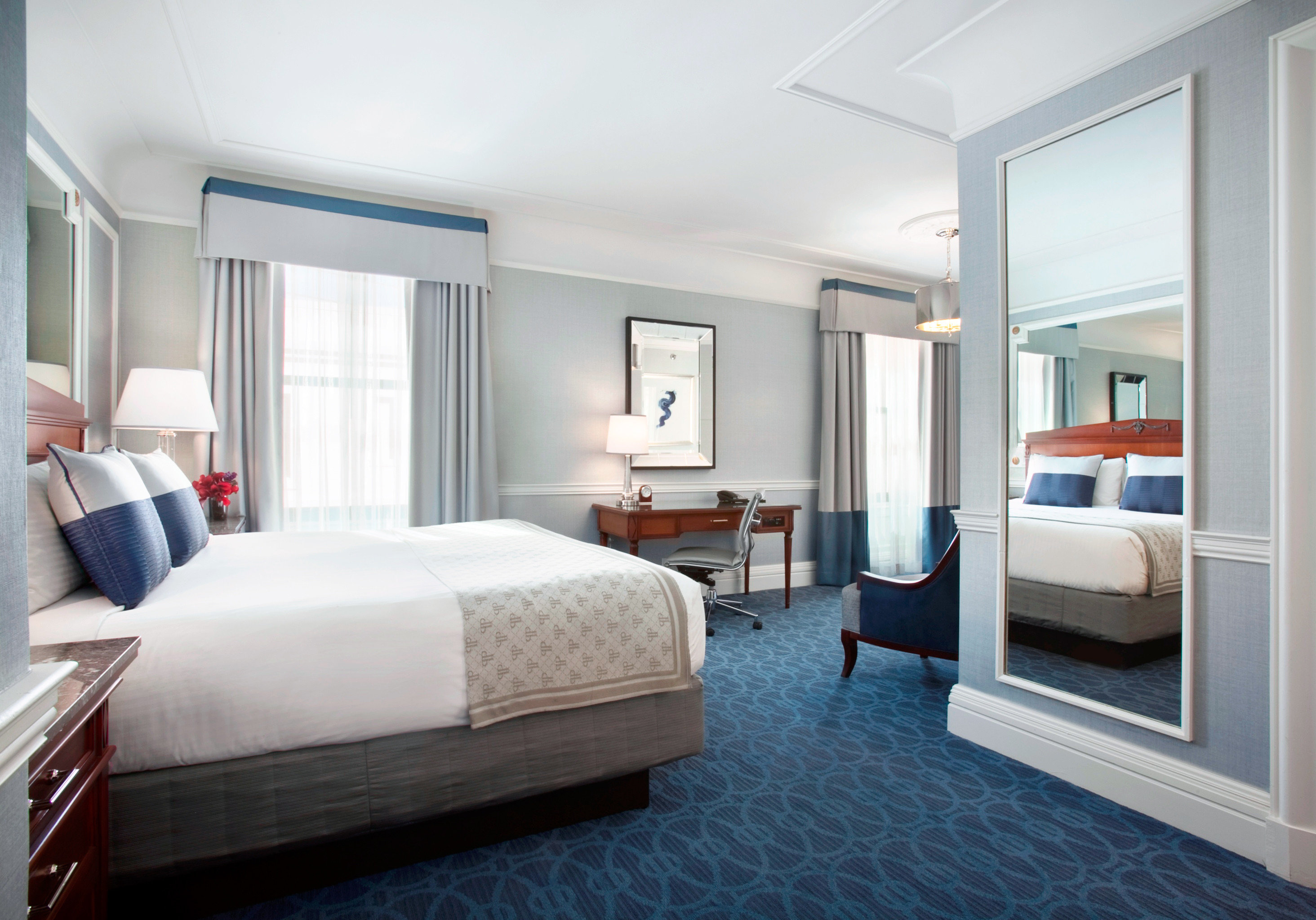 Bedroom Classic Luxury Resort property living room condominium Suite home cottage