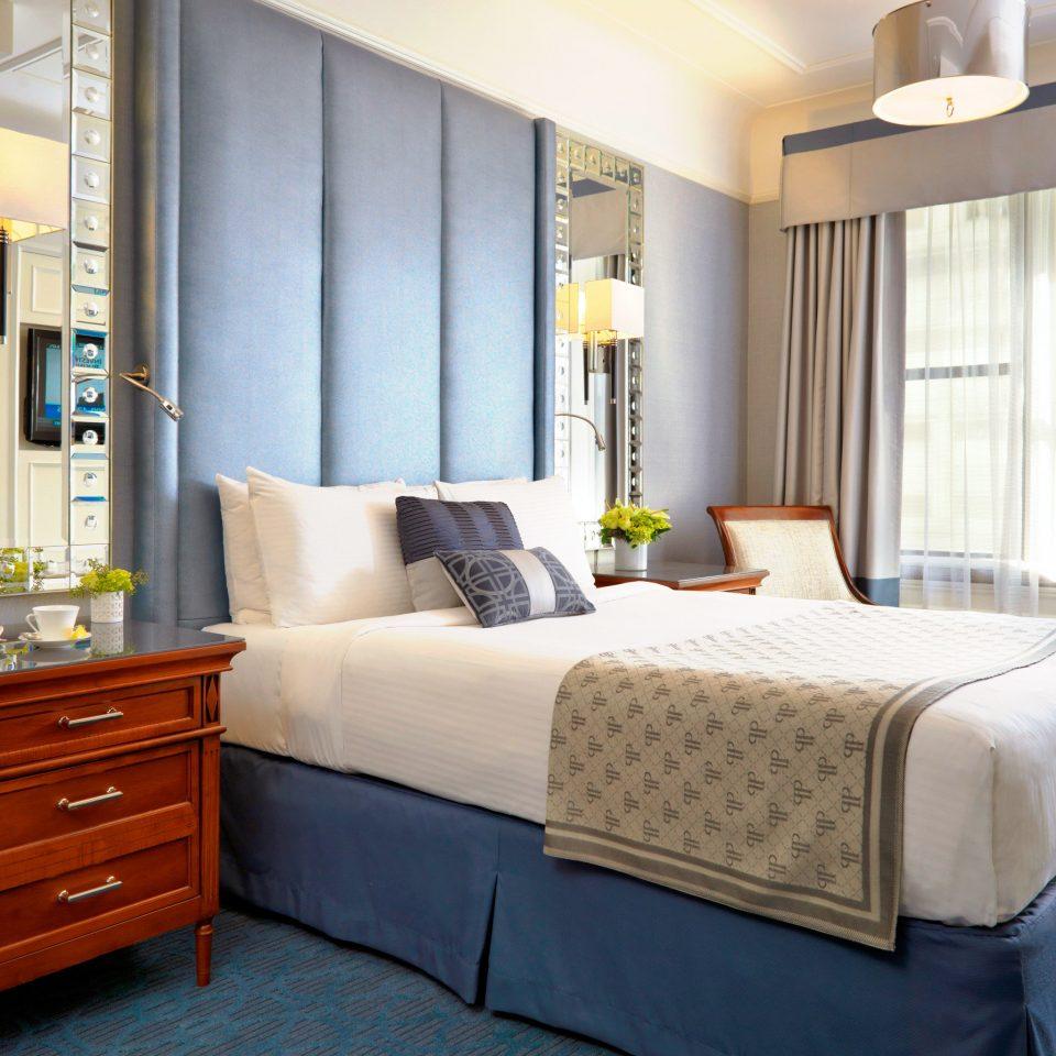 Bedroom Classic Luxury Resort property home Suite bed sheet living room bed frame cottage