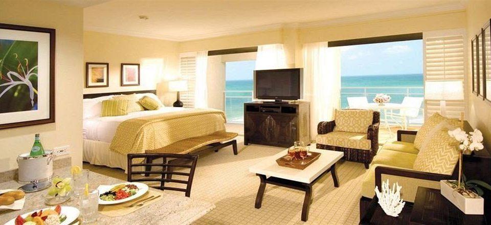 Bedroom Classic Luxury Suite property living room condominium cottage home Villa Resort