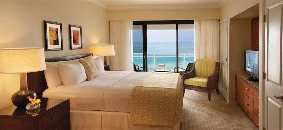 Bedroom Classic Luxury Suite sofa property cottage home condominium lamp flat containing