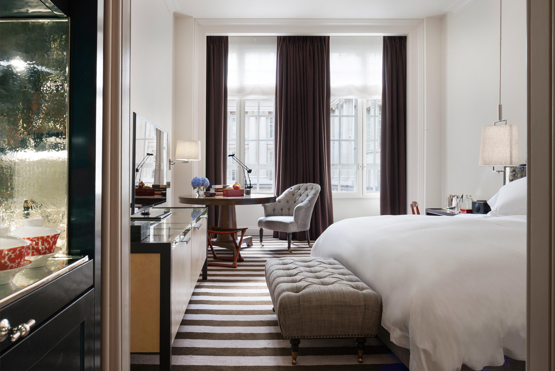 Bedroom Classic Luxury property living room home Suite cottage condominium