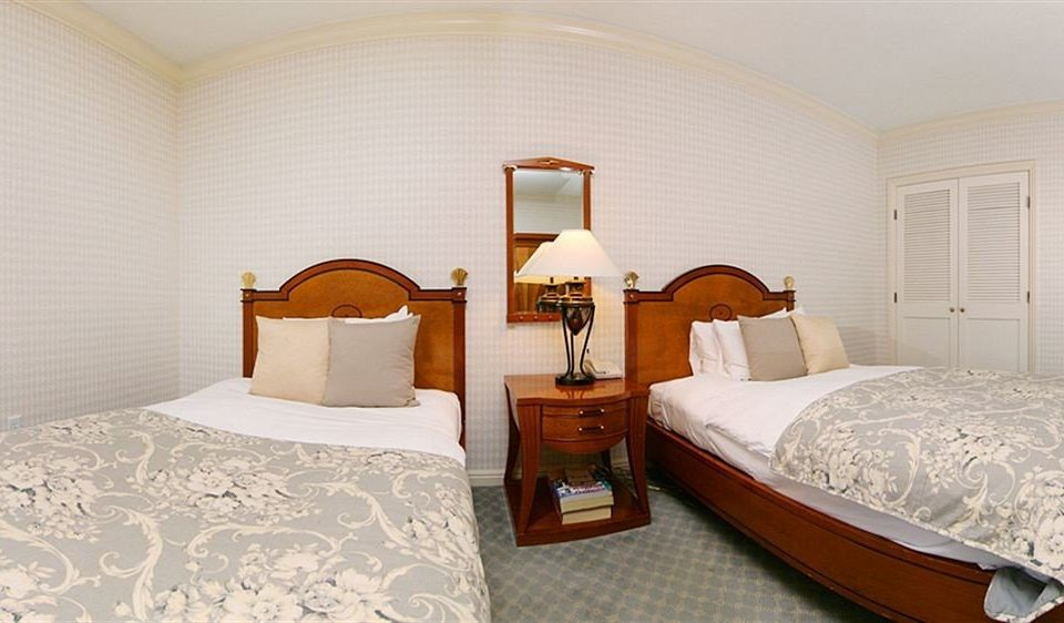 Bedroom Classic Luxury Suite property cottage bed frame Villa