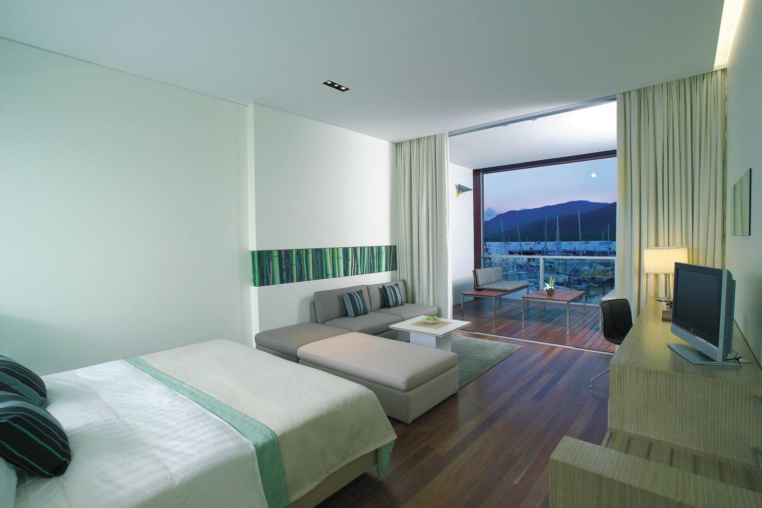 Bedroom Classic Luxury Waterfront green property condominium Suite living room Villa