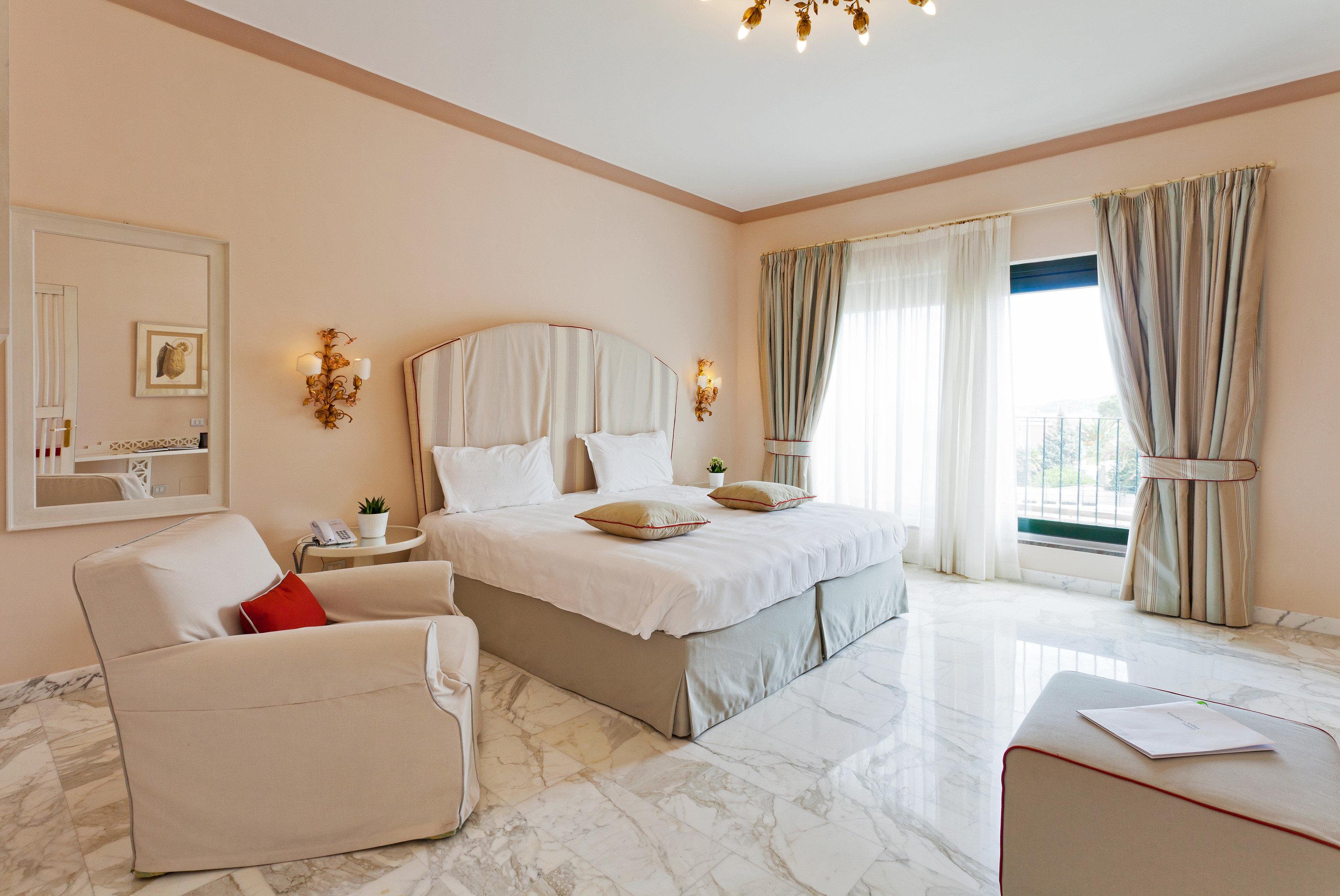 Bedroom Classic Luxury property Suite cottage Villa