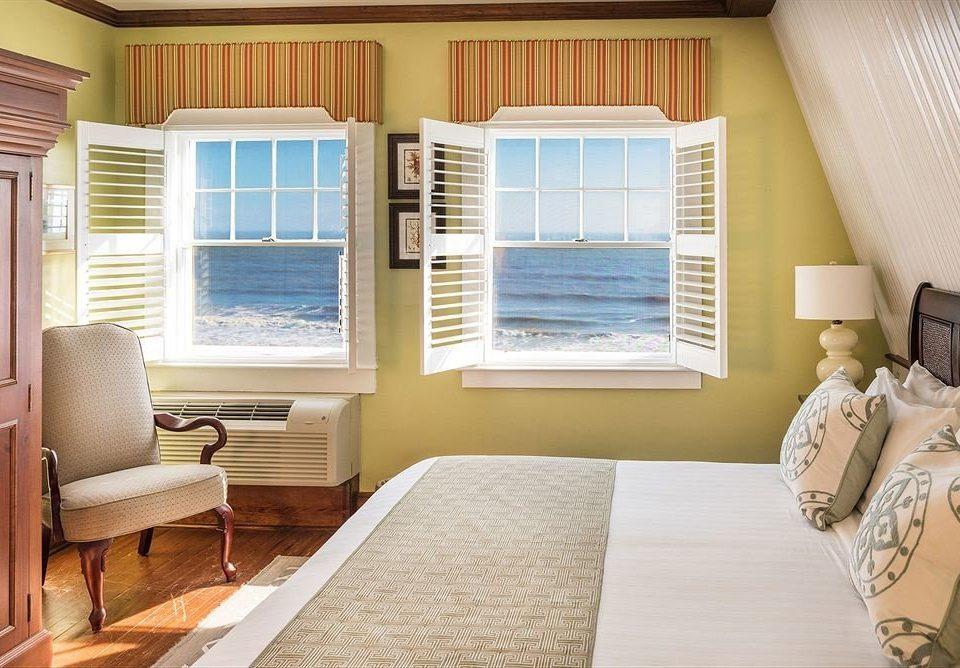 Bedroom Classic Luxury Suite property living room home condominium cottage window treatment