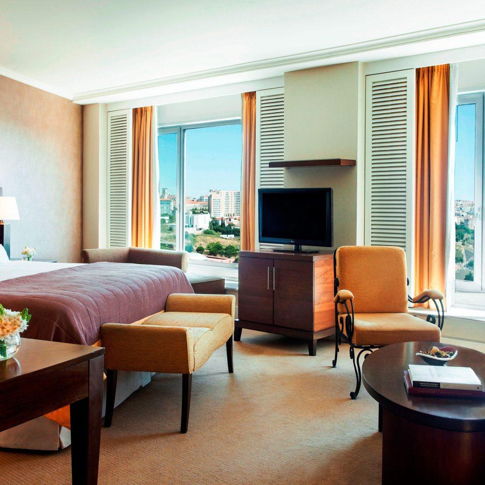 Bedroom Classic Resort Scenic views property living room condominium Suite home Villa Modern flat