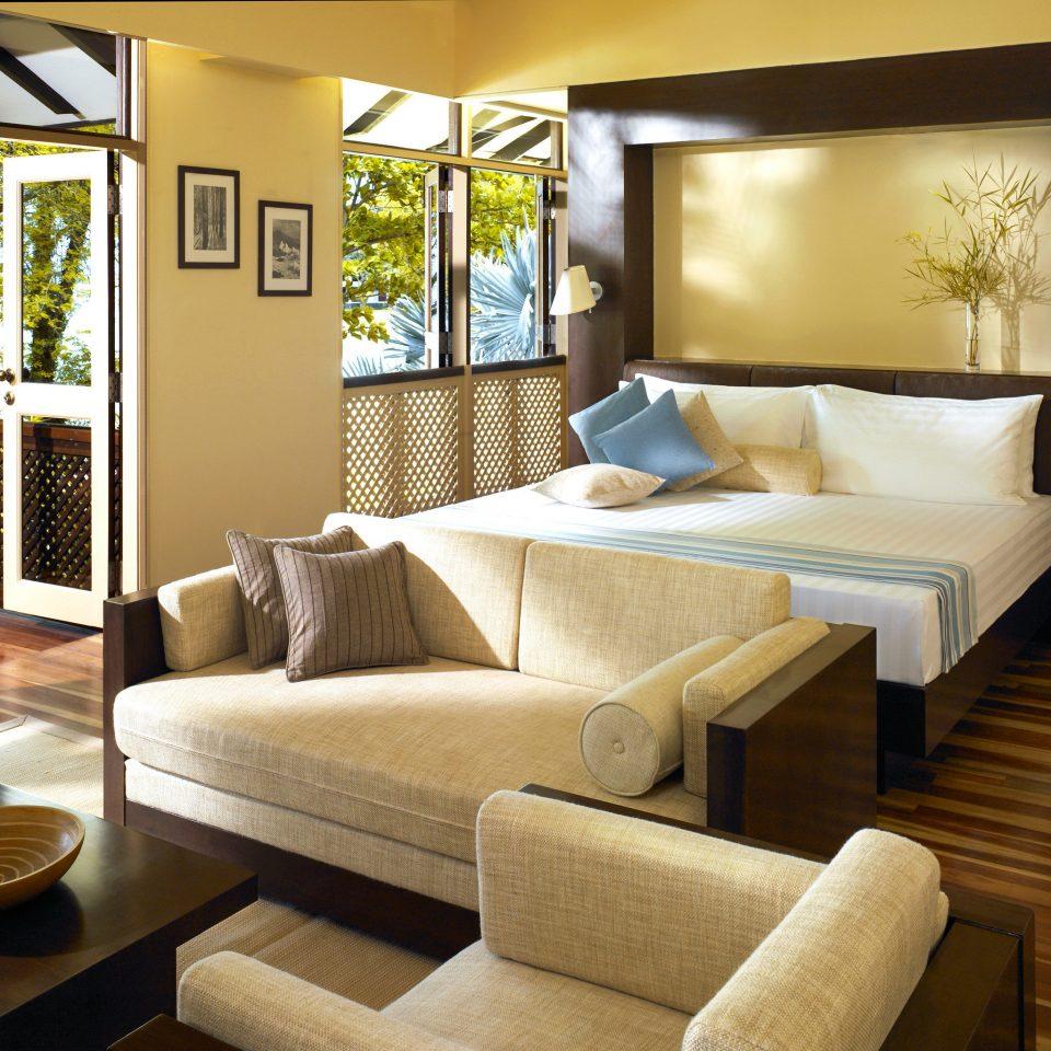 Bedroom Classic Resort living room property condominium Suite home Villa cottage Modern