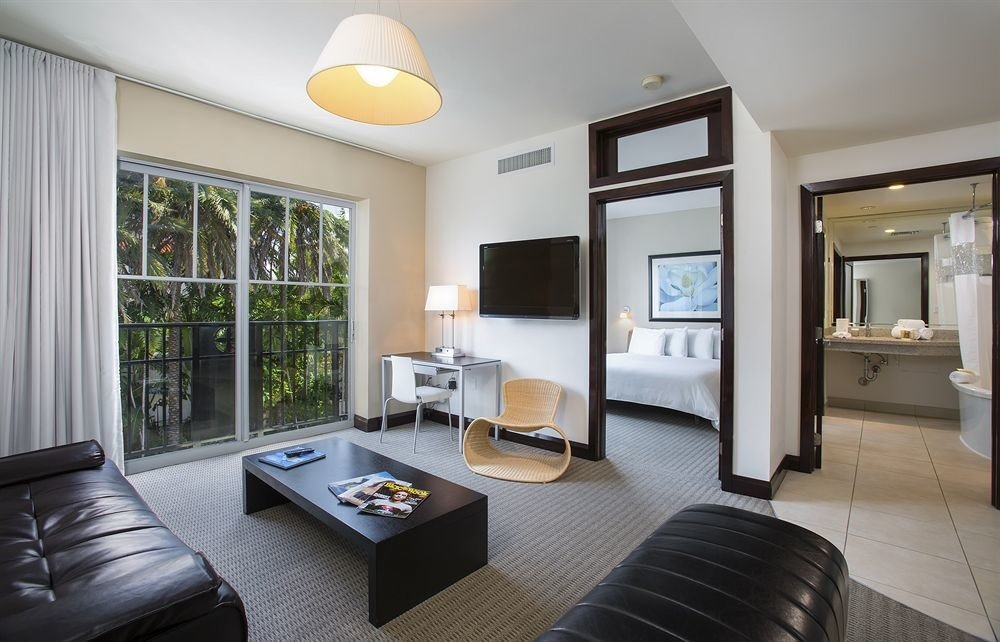 Bedroom Classic property condominium living room home Suite cottage leather Modern