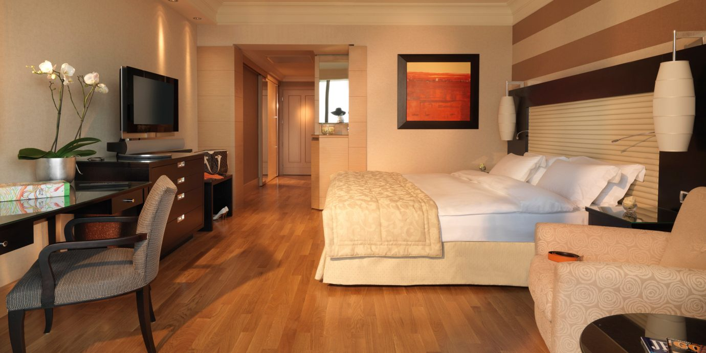 Bedroom Classic property Suite home hardwood cottage living room wood flooring Modern flat