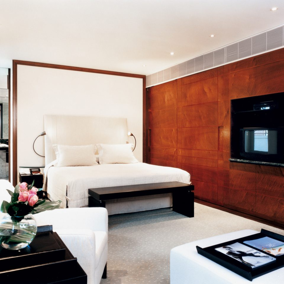 Bedroom Classic Modern living room property Suite home flat