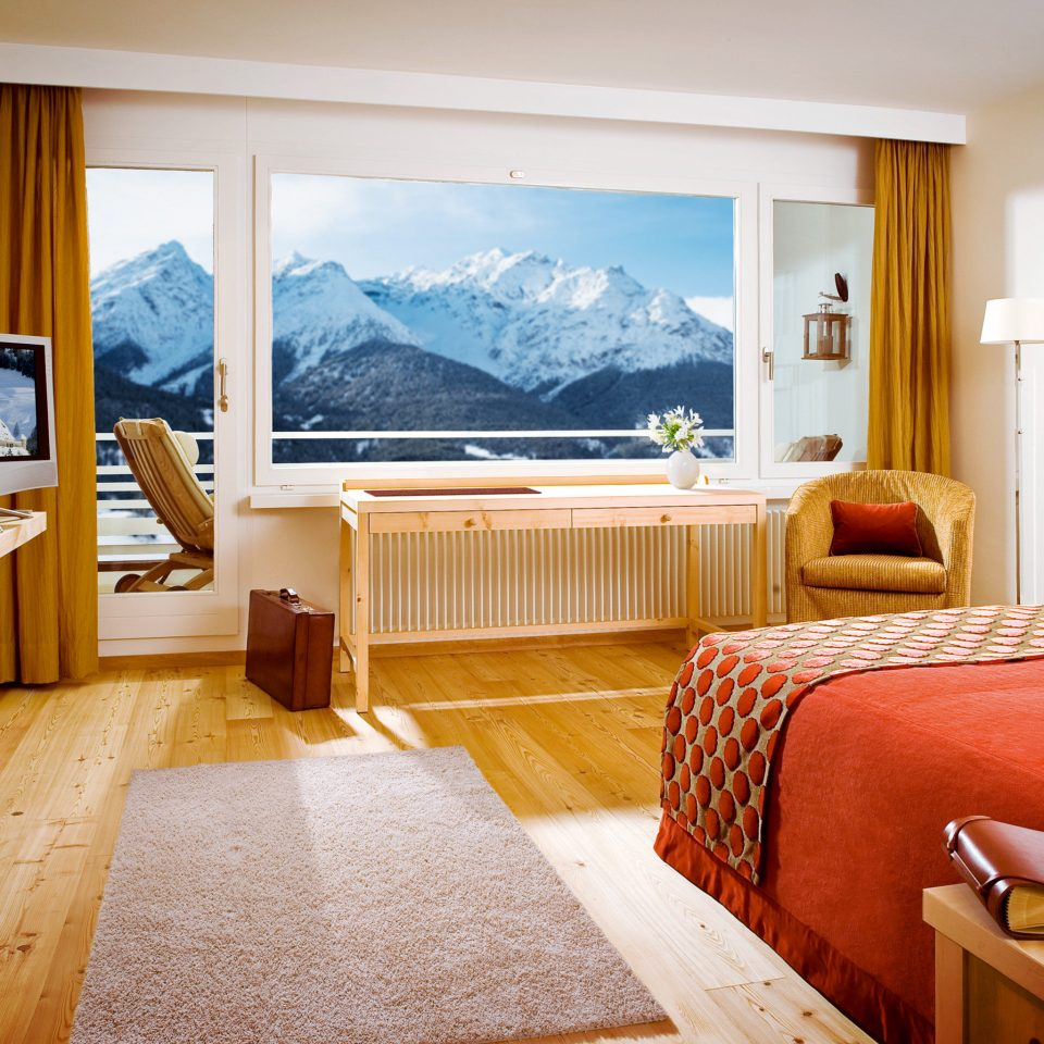 Bedroom Classic Mountains Rustic Scenic views property Suite home cottage living room Villa