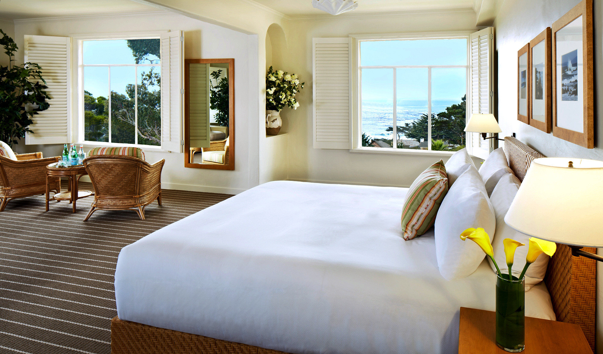 Bedroom Classic Resort Scenic views sofa property Suite home living room Villa cottage nice condominium